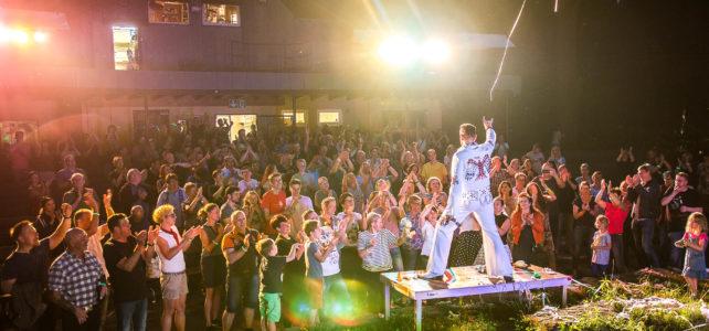 Rock 'n' Roll-Revue mit Elvis-Imitator Carsten Keber